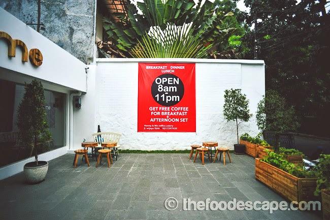 Honey & Me Coffee & Eatery, Kebayoran, Jakarta - FOOD ESCAPE