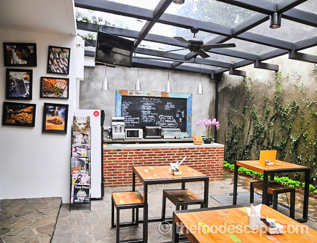 living room cafe kemang jakarta food escape indonesian food blog