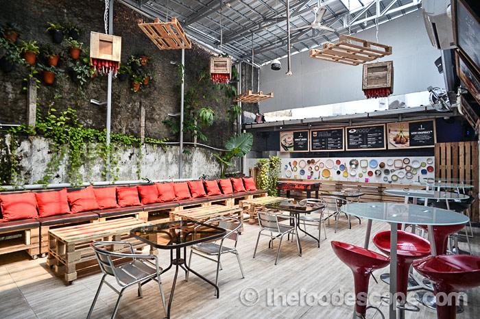 spy club restaurant, kemanggisan, palmerah, jakarta - food escape